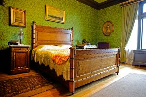 Pittock Mansion's Nieces' Bedroom