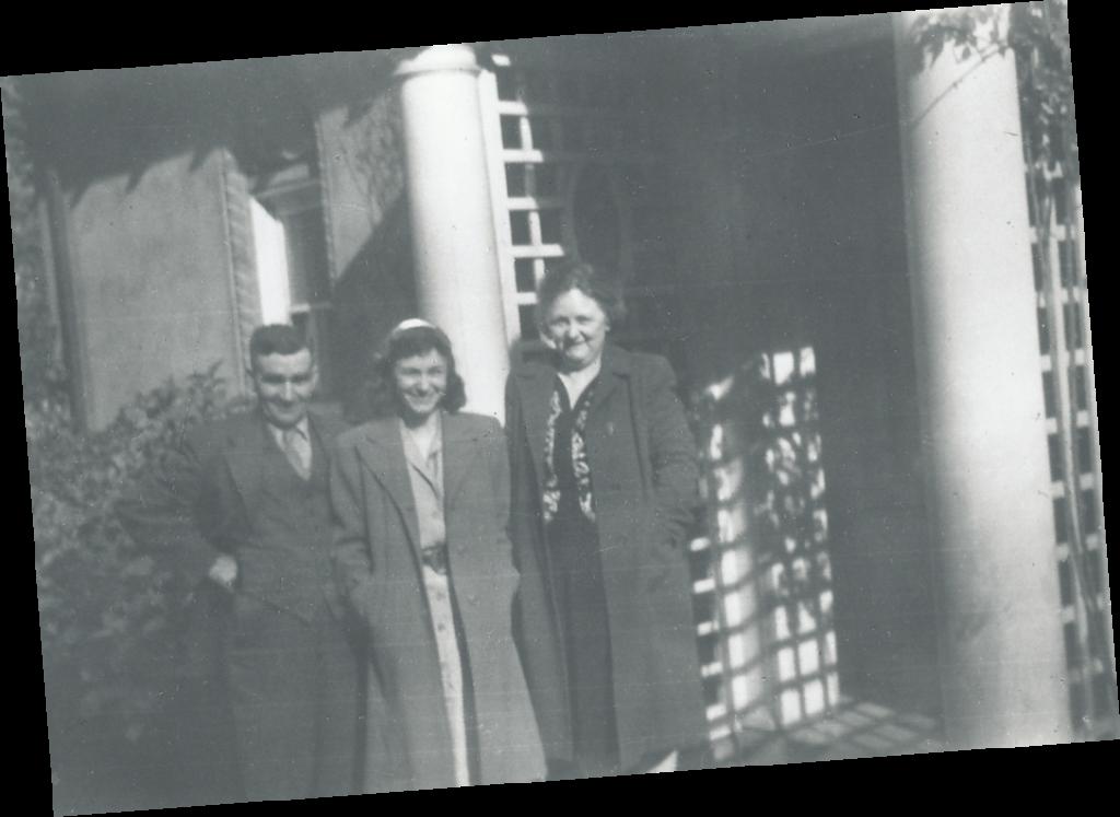 Skene family infront of the Gate Lodge